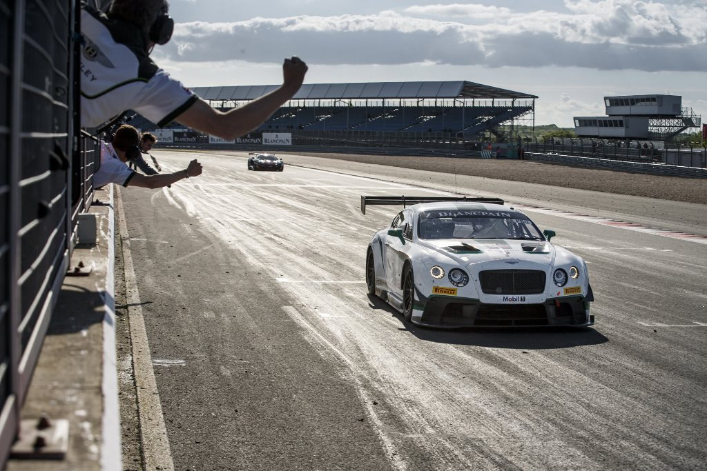 Bentley Continental GT3 wins at Silverstone