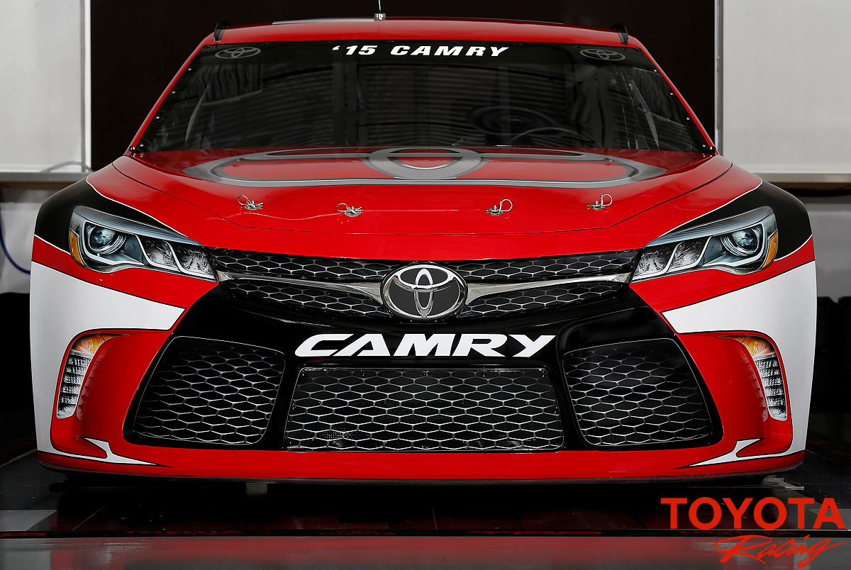 2017 TOYOTA CAMRY FRONT GRILL