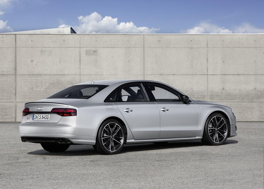 Audi S8 plus (2)